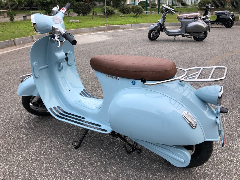 Scooter-bleu-3_800x600