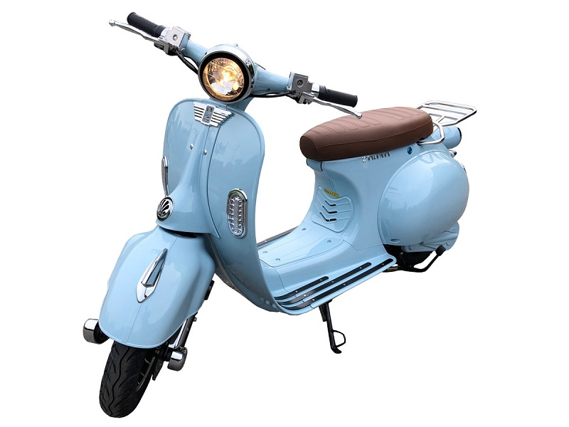 Scooter-bleu-800×600